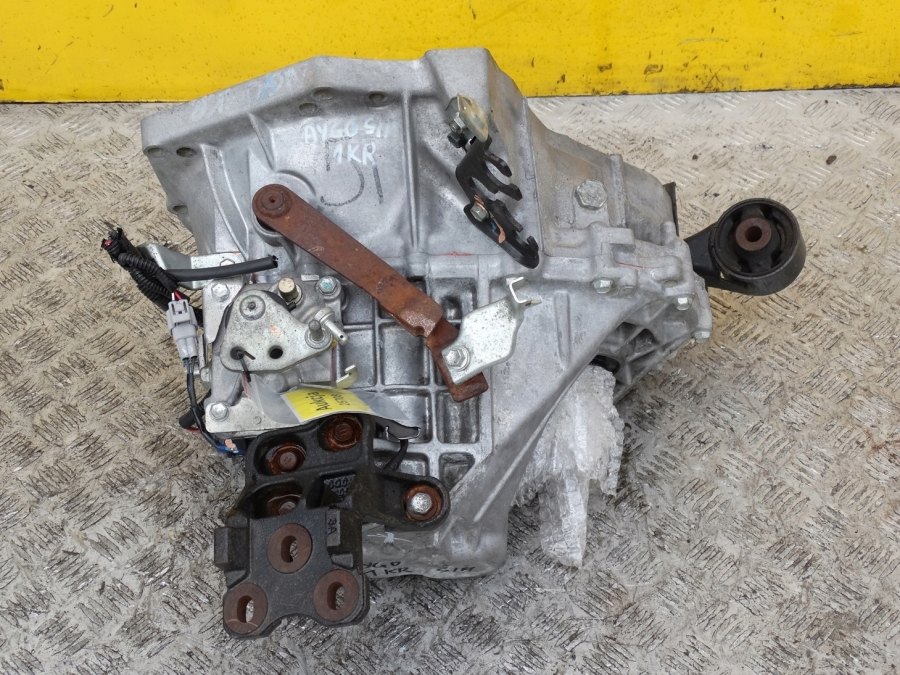 TOYOTA AYGO 1.0  COMPLETE GEARBOX  MANUAL 2005-