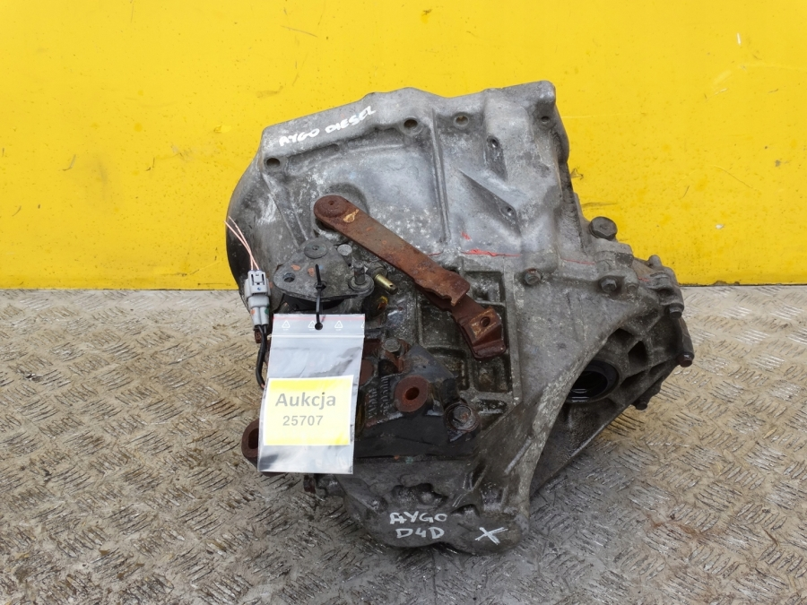 TOYOTA AYGO 1.4 D4D   COMPLETE GEARBOX  MANUAL 2005-